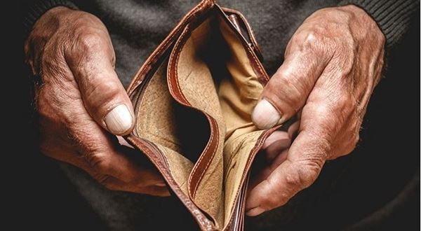 Šance na únik zdluhové pasti: Milostivé léto i konec marných exekucí